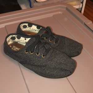 Gently Used TOMS Sneakers